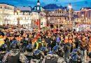 Miles exigen la renuncia de Putin